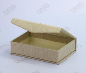 China Handicraft product fabric packaging gift box with design customized on sale