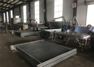 China La clôture provisoire lambrisse 2100mm x 2400mm 14 microns de zinc chaud de couche plongé galvanisé on sale