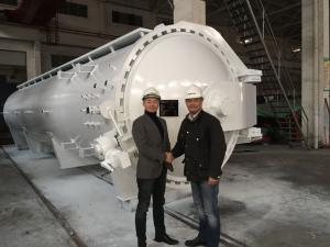 China Mechanical And Physical Pressure Composite  Autoclave , High Temperature and pressure on sale