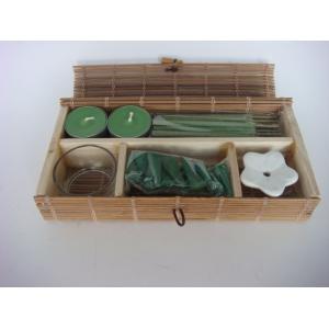 China 人工的なにおいの香のギフトは2 PC Tealightsが付いている茶軽い香料入りの蝋燭を置きます on sale