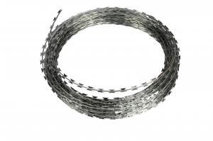 China Razor Fencing Wire Bto-22 Hot Dipped Galvanized Concertina Razor Wire on sale