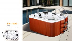 China Outside home whirlpool tub massage jets for family use with steps on sale