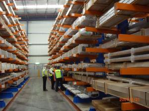 China Vertical Heavy Duty Cantilever Racking Systems , cantilever storage racks on sale