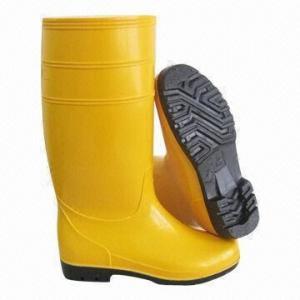 China Light-duty PVC Rain Boots, 100% Waterproof, Easily Dried Fabric Lining on sale