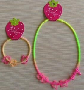 China Customized Rainbow Silicone Necklace With Silly Rubber Band For Promotional Gift on sale
