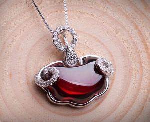 China Garnet lock pendant 925 sterling silver necklace, gemstone sterling silver jewelry on sale
