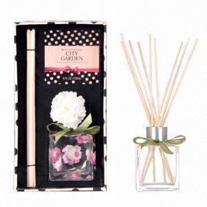 China Diffuseur d'arome de roseaux de rotin avec l'ensemble de cadeau de parfum de maison de fleur de Sola on sale