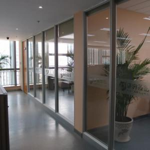 China Aluminum Frame Soundproof Fireproof Sliding Office Partition Glass Walls on sale