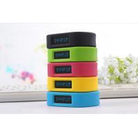 China Fashion Silicone GPS Child Tracker Bracelet , Smart Anti-lost Bracelets for Kids on sale