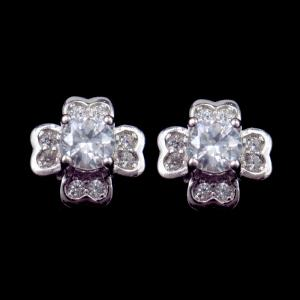 China Lovely Four Leaf Clover Stud Earrings AAA Heart Shaped Zircon Like Diamond on sale