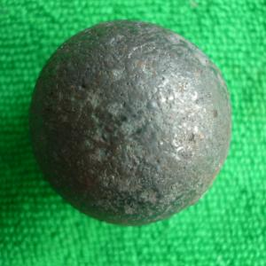 China 1 inch to 6 inch forged grinding media steel balls on sale