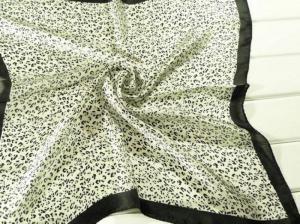 China As senhoras 2013 formam a 100% os scarves de seda quadrados pequenos de seda da cópia do lenço/leopardo para mulheres 53*53CM on sale