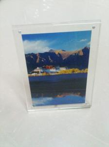 China Magnetic perspex picture frames on sale