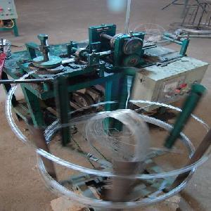 China Razor Barbed Wire Machine (LL-03) on sale
