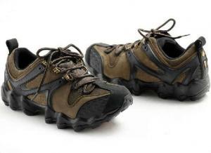 China Men′s Climbing Shoes, Children Hiking Shoes, Waterproof Shoes on sale