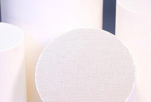 China Car Ceramic Catalyst Carrier , Porous Cordierite Honeycomb Ceramic on sale