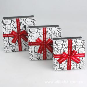 China Paper Gift Box, Cardboard Chocolate Packaging Boxes With Ribbon 5 * 5 * 3 Inch on sale