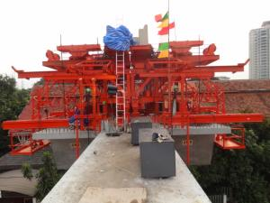 China Hydraulic System Segment Lifter Tailored for Various Erection Requirements on sale