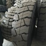 Solid forklit tire 14.00-24, high quality solid tire 1400-24, industry solid tire 14.00-24 black nylon tire