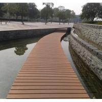 Waterproof and Barefeet WPC Outdoor Decking Flooring with Natural Wood