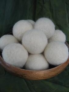 China Factory direct High Quality 100% Wool Felt Dryer Ball for Laundry and home decoration on sale