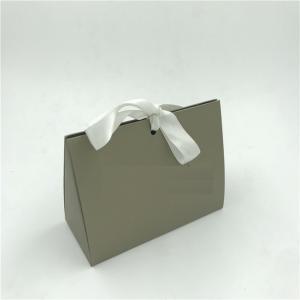 China Luxury Gold Jewelry Gift Bags , Pretty Paper Bag Folding Matt / Gloss Lamination on sale