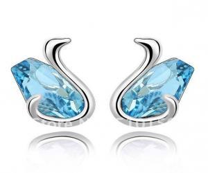 China Fashion High Hand Polished Elegant Swan Bridal Crystal Rhinestone Brooches for women  on sale