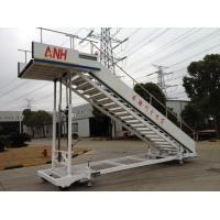 Flat Aircraft Passenger Stairs , Aircraft Step Ladder Long Life Time