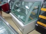 Замораживатель большого дисплея торта емкости стеклянный с стеклом кривого формы дуги