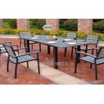 屋外の椅子およびテーブルはバルコニー/裏庭の家具の外のテラスのために置きました