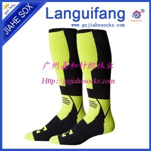 China manufacturer direct Wholesale Football Socks/ soccer socks,Woven Logo Soccer Socks on sale