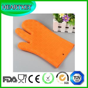 China Silicone Non Slip Silicone and Cotton Oven Mitt Insulated Silicone Glove Use For Oven Microwave Oven And Grill on sale