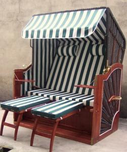 China Luxury Modern Brown Roofed Wicker Beach Chair & Strandkorb For Outdoor on sale