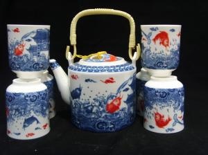 China Durable Traditional Chinese Porcelain Tea Sets Golden Fishes Design For Dinnerware on sale
