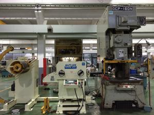 China Large Sheet Metal Decoiler Straightener Uncoiler Feeder Line Speed 16~24 M / Min on sale