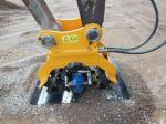 Excavator Attachments Vibrating Hydraulic Plate Compactor Machine for Sale