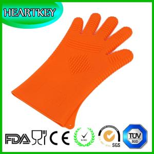 China RENJIA silicone heat resistant grilling bbq glove silicone heat resistant baking gloves si on sale