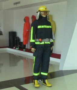 China Encienda el traje con las telas incombustibles paño, pantalones, casco on sale