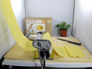 China Shule Custom Shule 180mm Home Dough Roller Machine, Equipment For Making Fresh Pastas on sale
