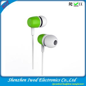 China Hot fashion design stereo headphone buy plastic earphones china with brand quality on sale