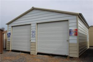 China prefabricated insulation steel storage garage for car and tools on sale