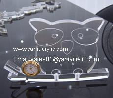 China Custom Weatherability Laser Engraving Acrylic Owl Table Clock With Sgs Standards on sale
