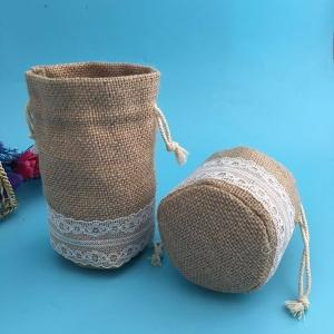 China Wedding Round Jute Sling Bag With Lace , 8 * 10cm Mini Drawstring Pouch on sale