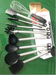 China 8 Pieces Heat Resistant Silicone Kitchen Utensils Set With Stainless Steel on sale