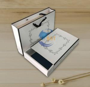 China Custom design Printing paper package box for clothing on sale
