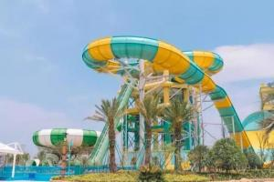 China Super Boomerang Water Slide Playground For Amusement Park 1 Year Wanrranty on sale