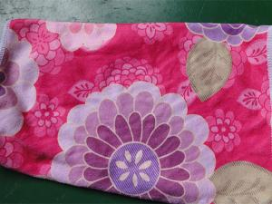 China Weft knitted flower printed 30*60 microfiber cleaning cloth , microfiber home usaging towel on sale