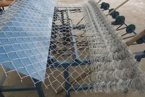 China Decorative chain link wire fencing 9 gauge galvanized on sale