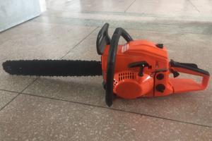China Multi Functional Gas Powered Pole Chain Saw / Black And Decker Gas Chainsaw on sale