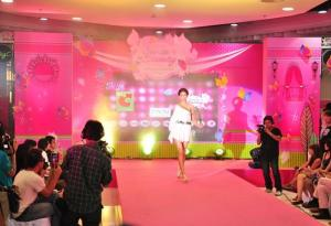 China PH5 Indoor Stage LED Display Screens For Horizontal 160', Vertical 140' Available PH4mm on sale